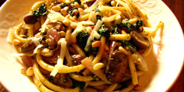 Bucatini with Spinach and Mushrooms