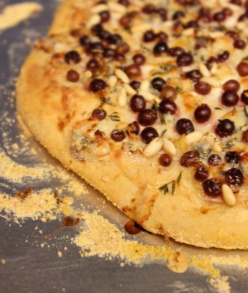 gorgonzola and grape pizza recipes dishmaps gorgonzola and grape pizza ...